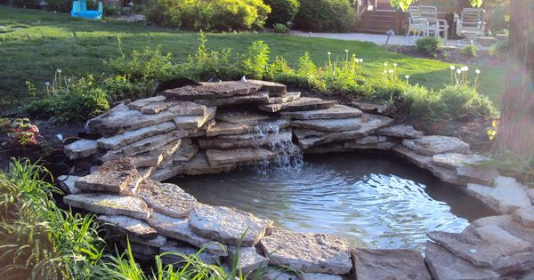Trend 2016 and 2017 for backyard ponds garden ponds for Small fish ponds with waterfalls