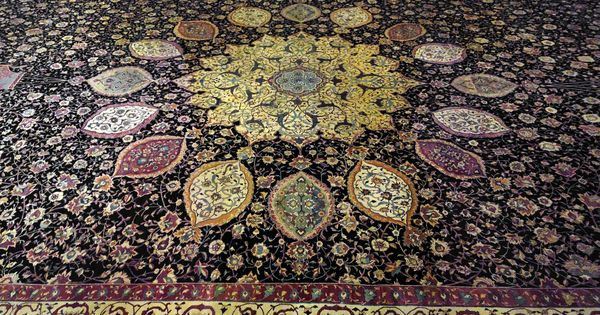 Medallion Carpet The Ardabil Carpet Maqsud Of Kashan Persian Safavid Dynasty Silk Warps And Wefts With Wool Pile 25 Milli Art Islamic Art Islamic World