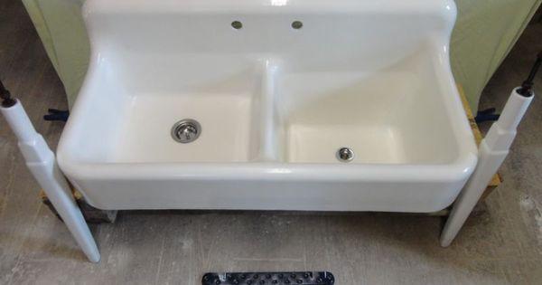 Farmhouse Sink With Legs : Cast Iron Farm Farmhouse vintage Kitchen Sink & legs orig porc Sinks ...