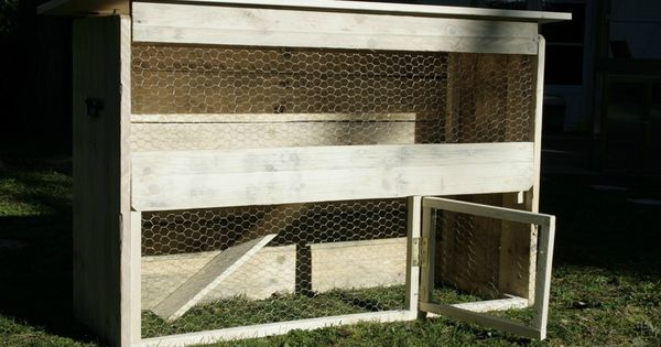 clapier en bois de palettes cr ation en bois de palettes. Black Bedroom Furniture Sets. Home Design Ideas