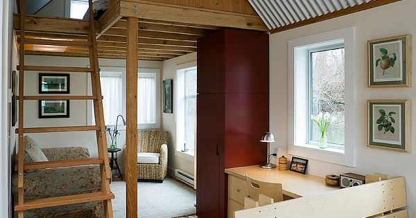roomy small house (433 sqft!) like the loft bed room