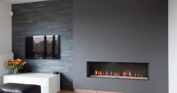 haard tv mooi geheel met donkere wand natuursteen zorgt voor interessant contrast home and. Black Bedroom Furniture Sets. Home Design Ideas