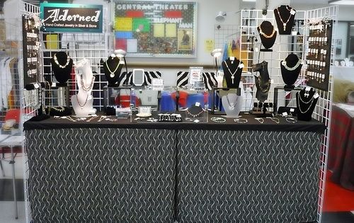 Some good display tips i dig those table covers and the for Jewelry display trade show