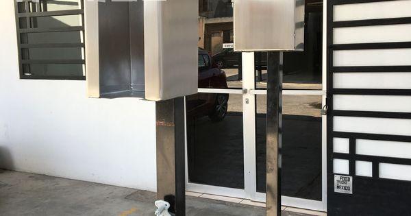 Adaptado para venta de snack caja de aluminio negro con for Barras de aluminio para toldos
