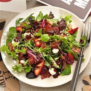 Mozzarella Strawberry Salad With Chocolate Vinaigrette Recipe Strawberry Salad Recipes Balsamic Vinegar Recipes