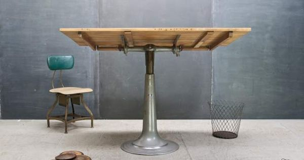 table dessin table d 39 architecte suedoise nike. Black Bedroom Furniture Sets. Home Design Ideas