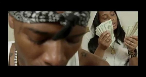 Fetty Wap - Trap Queen (Official Video)