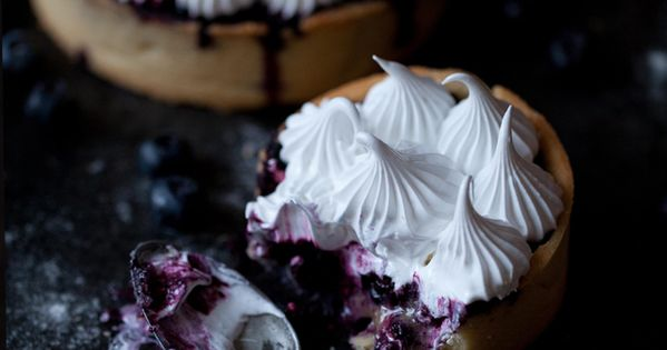 Food Styling: Tarte bleuets et meringue/ Blueberry meringue pie summer fruit: blueberry