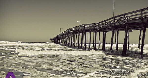Nags head fishing pier outer banks n c banks outer for Nags head fishing pier