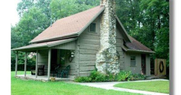 Daffodil Hill Log Cabin Near Nashville Indiana Cabin