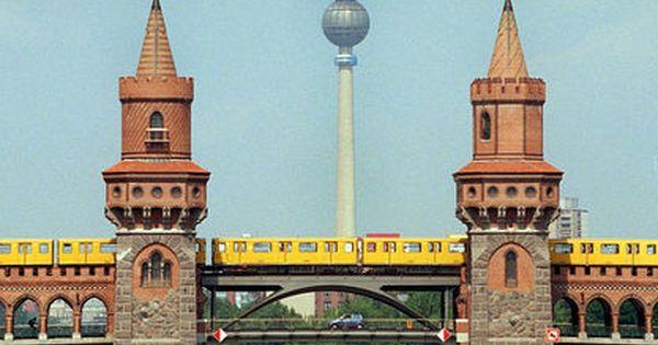 Oberbaumbrucke Oberbaumbrucke Berlin Stadt Und Berlin