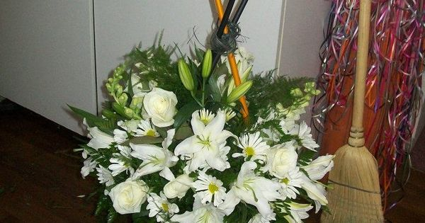 Made Using Golf Clubs Circle Wreath Funeral Amp Sympathy