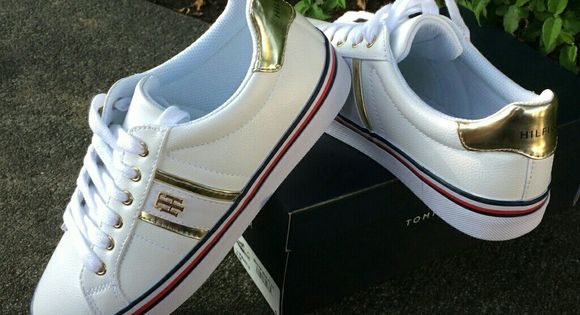 ☄NWT TOMMY HILFIGER FENTII SNEAKERS