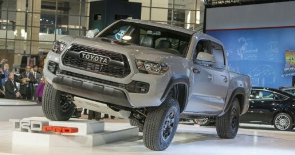 2017 toyota tacoma trd pro 2016 toyota tacoma grills. Black Bedroom Furniture Sets. Home Design Ideas