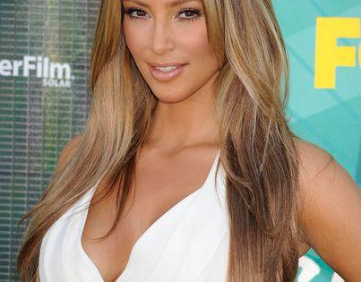Love tan skin with light hair!! New hair idea for fall