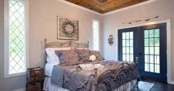 Decorating With Shiplap Ideas From Hgtv 39 S Fixer Upper Bedrooms Master Bedrooms And Light Walls