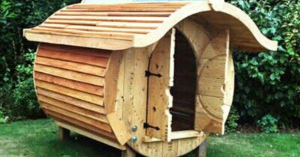 Hummm hobbit house for the grandkids tree diy pinterest - Fabriquer table picnic ...