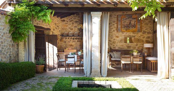 Pavimento recuperado el patio con adoquines de cemento - Entradas de casas rusticas ...