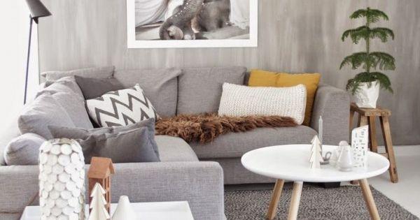 Un salon scandinave avec mur en b ton cir mur en beton - Mur beton cire salon ...