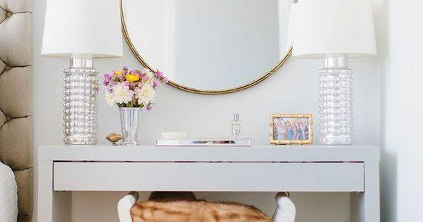 jolie coiffeuse avec miroir 40 id es pour choisir la meilleure bedrooms vanities and room. Black Bedroom Furniture Sets. Home Design Ideas