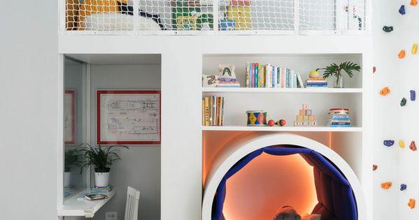 This Colorful Kids' Room Has a Climbing Rock Wall  아이 방, 어린이 방 및 ...