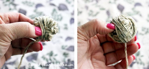 100% WOOL yarn. Wrap yarn around your fingers 20 times and then