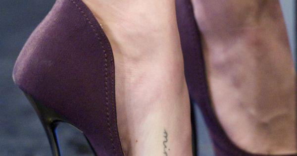 "Amanda Seyfried ""Minge"" Foot Tatt ""Minge"" British Slang ... Amanda Seyfried Tattoo"