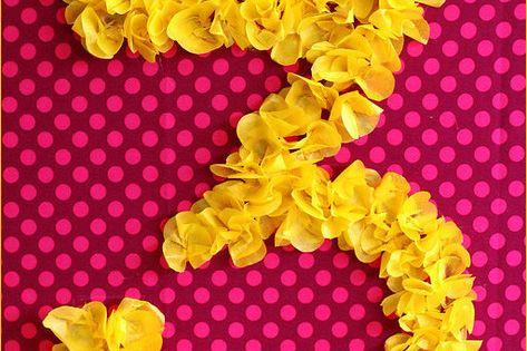 Tissue paper sign... cute party idea!