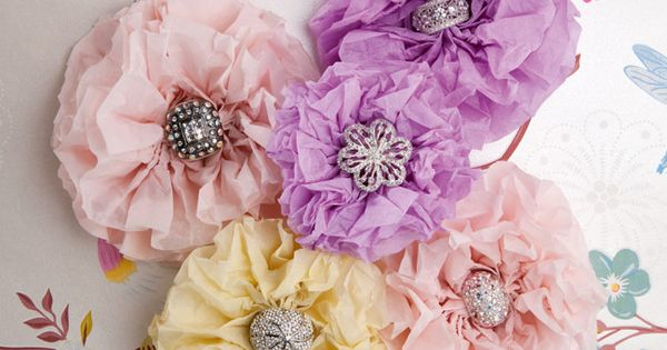How to make decorative paper flowers by homelife.com.au: Just gorgeous! DIY Paper_Flowers