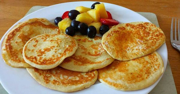 Oat pancakes 35g oats 2 eggs muller light yogurt blend ...