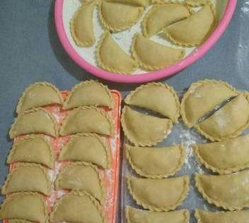 Resep Pastel Renyah Tanpa Telur Oleh Aulia Erna Resep Ide Makanan Makanan Roti Hot Dog