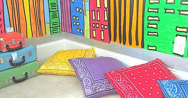 Bandana pillows - these would be pretty easy to make and a