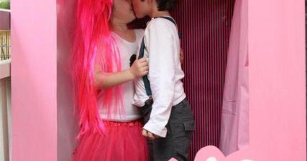 Great Barbie photobooth box! barbie photobooth