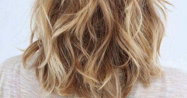 Perfect Layered Wavy Hairstyles for Medium Hair