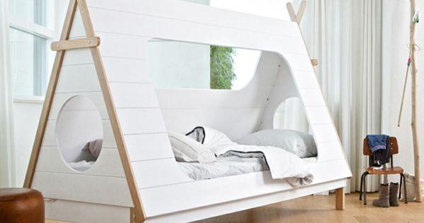 einrichtungsideen kinderzimmer runder teppich. Black Bedroom Furniture Sets. Home Design Ideas