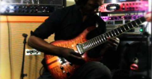Tosin Abasi Plays Animals As Leaders Tempting Time Guitar Animalsasleaders Music Tosin Abasi Leader Guitar