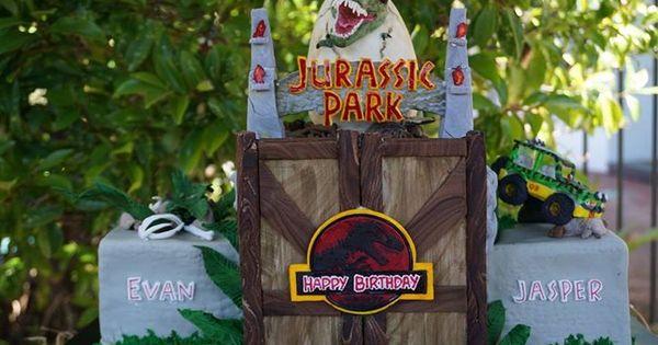 Tickets to jurassic world birthday invitations google search leopold 4 r pinterest - Jurassic park builder decorations ...