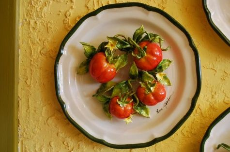 Ceramics By Eva Gordon I Absolutely Love Her Work Tomato Plate Jpg Favorite Dish Ceramic Decor Dishes