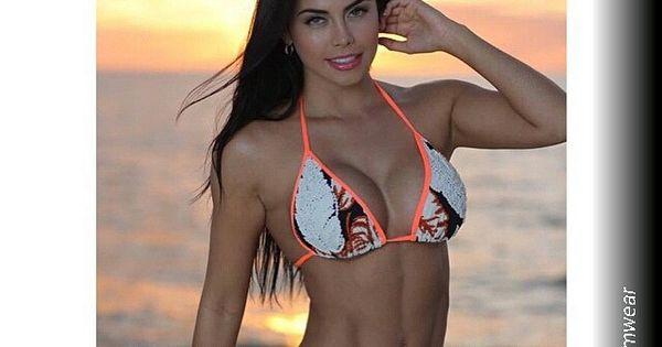 Yuridia Valenzuela Canseco - Hombres Al Borde De Un Ataque De Celos
