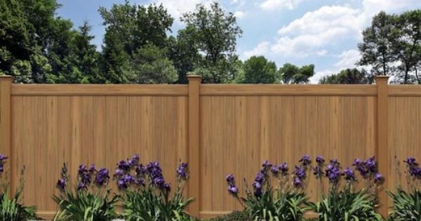 vinyl fencing that looks like wood = weather resistant and
