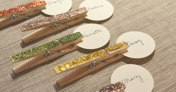 glittered clothespin place cards Perfect for Christmas!