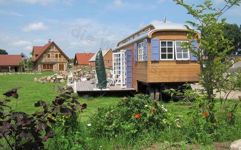 Zwei Zimmer Kuche Bad In 2020 Wochenendhaus Zirkuswagen Deko Schaf Garten