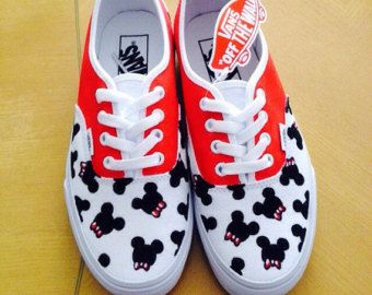 Desmañado Desempacando comercio  Pin by Lorena on Painted shoes in 2020 | Custom vans shoes, Vans shoes, Vans  slip on
