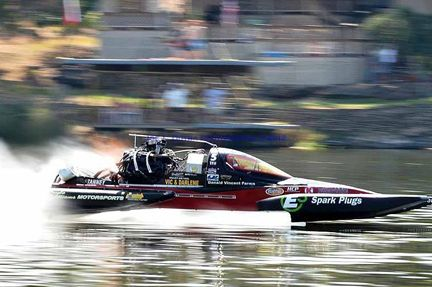 Lakefest Drag Boat Races August 7 9 2015 Over 100 Boats Converge On A Liquid Quarter Mile Race Track On Lake Marble Falls Lakeside Park Boat Drag Boat Racing