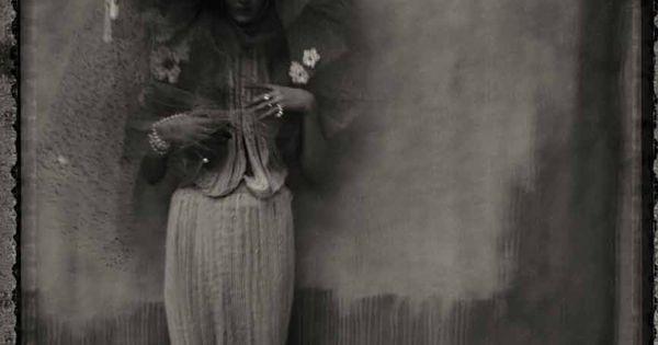 Vogue Turkey Issue: March 2012 Title: A Black White Poem Models: Codie