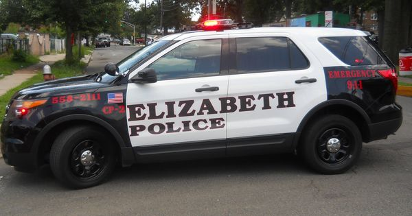 Elizabeth Nj Amp Ndash A Vehicle Stop By Elizabeth Police Resulted In The Pursuit Of The Suspect And A Three Vehicle Accident Wit Police Mini Van School Bus