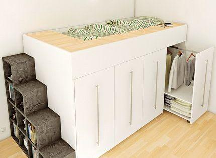 Une mezzanine qui intègre dans sa structure des armoires-dressings coulissante. Une solution