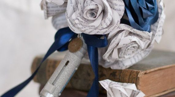 The bouquet: | How To Have The Ultimate Doctor Who Wedding Experience
