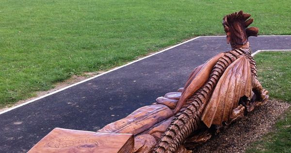Dragon bench by tommy craggs http treesculpting