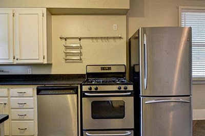 10 Quirky Kitchens From The Real Estate Listings Hooked On Houses Quirky Kitchen Kitchen Sale Kitchen Remodel